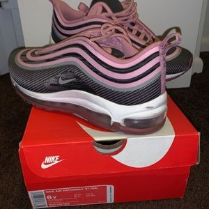 Nike Air Vapormax 97 size 6y
